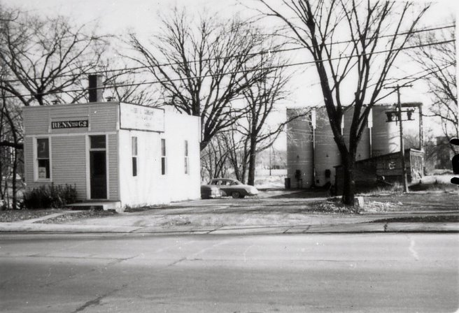 Renn & Co. on Main St. in Kaukauna.  In 1924 the company built the coal towers in the background.